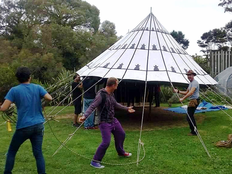 Building the Beduin Tent