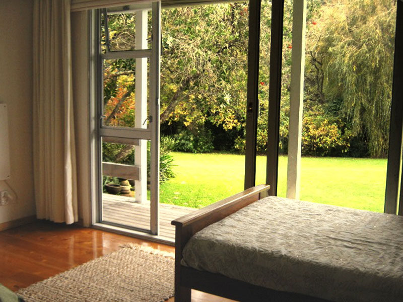 Great Heart Room Accommodation - Looking on to Lawn