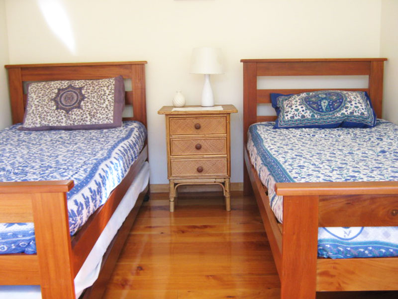 Backpackers Twin Room Accommodation